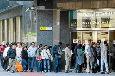 معونات مالية مهاجرين اسبانيا
