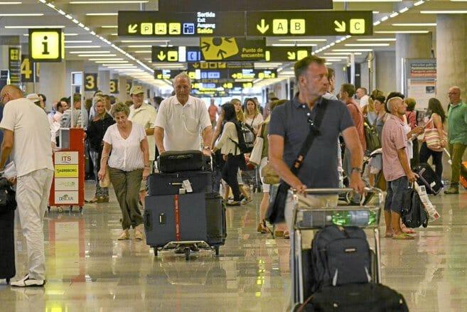 إسبانيا فتح الحدود السياح السياحة أوروبا الوباء