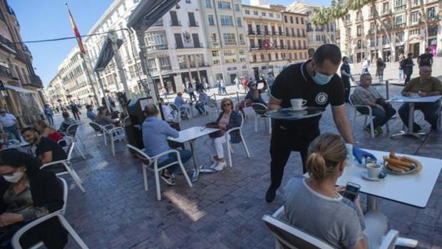 المرحلة الثانية من رفع القيود إسبانيا حالة الطوارئ