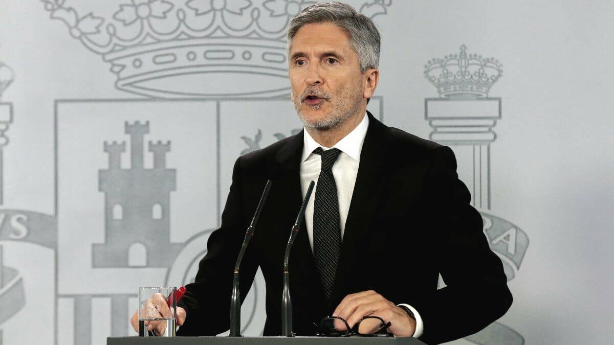 إسبانيا تمدد القيود على السفر