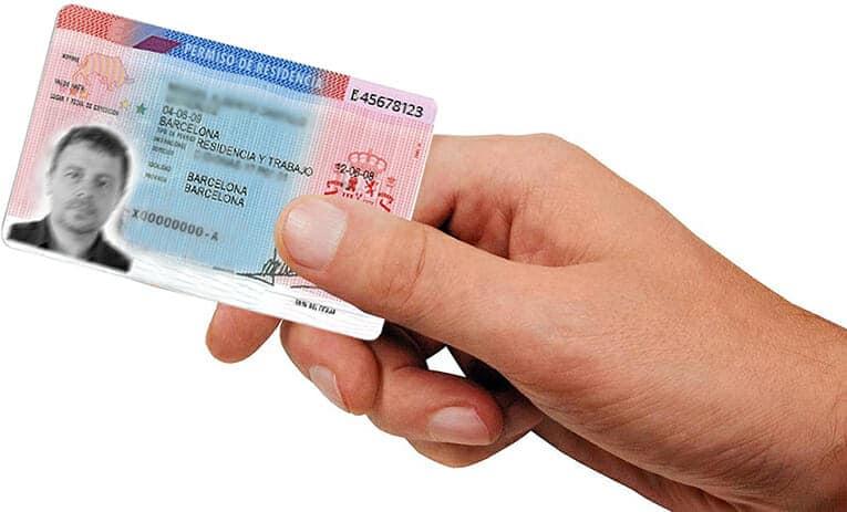 حصري: تمديد صلاحية بطاقات الإقامة للأجانب لمدة ستة أشهر بعد رفع حالة الطوارئ والسماح بالعودة إلى إسبانيا رغم انتهاء صلاحية الإقامة