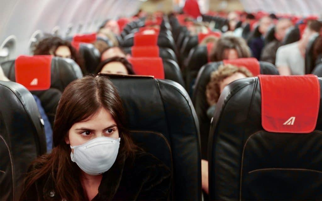 السفر فيروس كورونا رفع القيود الحافلة القطار الطائرة