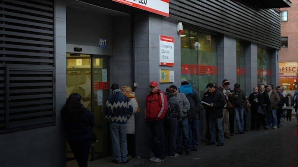 إعانة مساعدة مالية إسبانيا