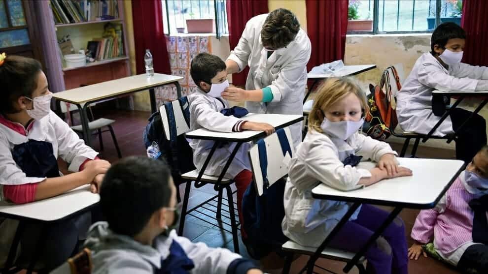 الموسم الدراسي المقبل إسبانيا الأقسام القسم التلاميذ جائحة فيروس كورونا فتح الدارس