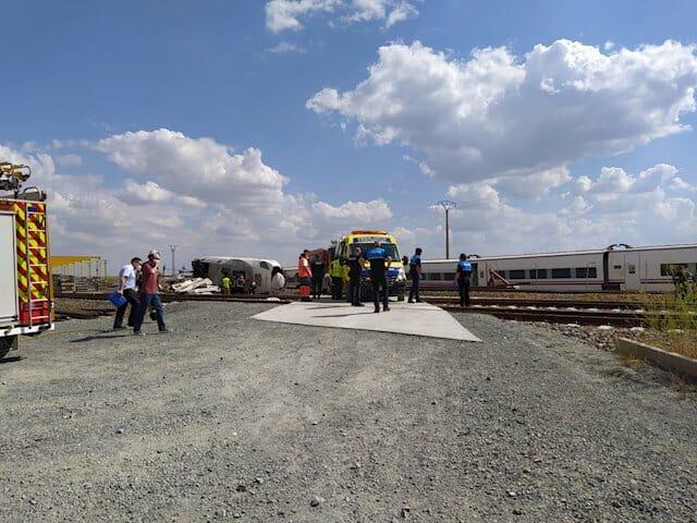 وفاة شخصين في حادثة اصطدام قطار بسيارة وسط إسبانيا