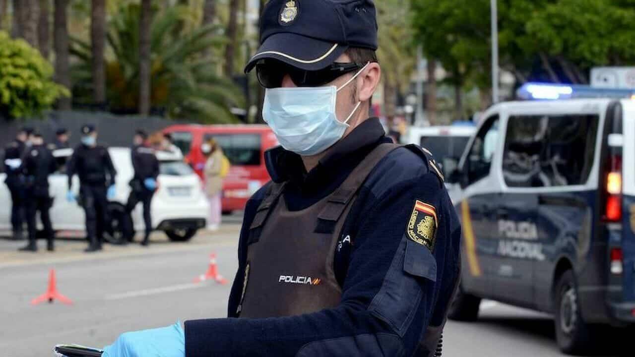 ارتداء الكمّامة في إسبانيا المرحلة الجديدة الوضع الطبيعي غرامة مالية