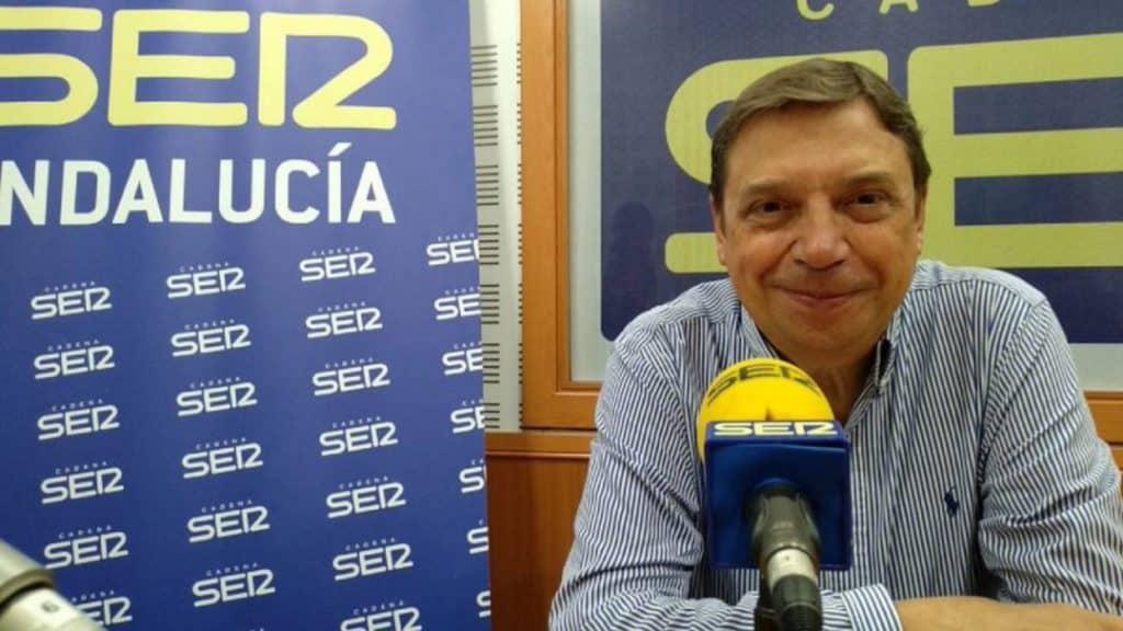 وزير الزراعة الإسباني العمال الموسميين