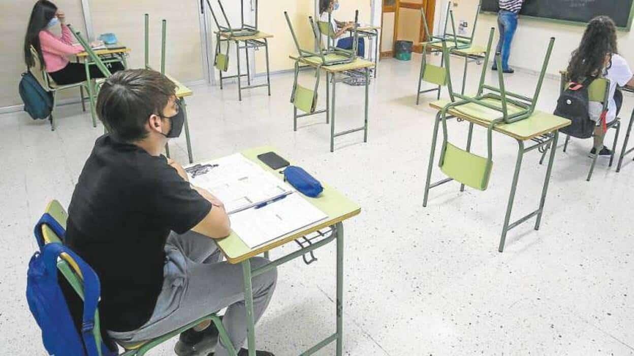 احتجاجات نقابات التعليم إسبانيا