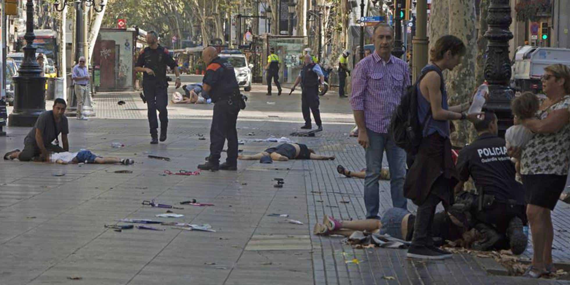 اعتداءات برشلونة وكاملريلس