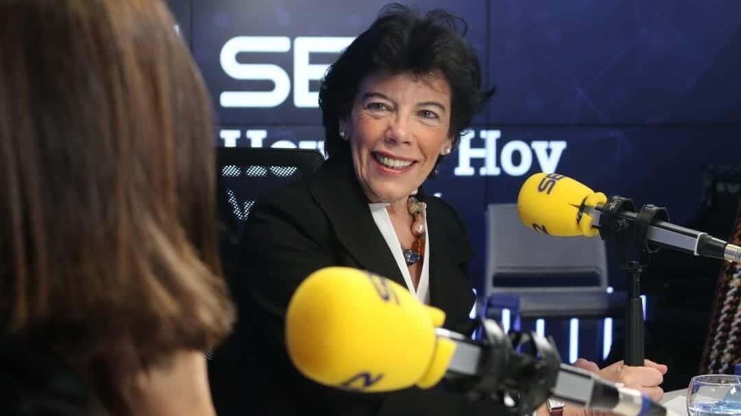 وزيرة التعليم الإسبانية