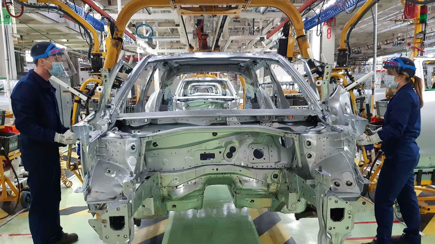 انهيار قطاع الصناعة الإسباني
