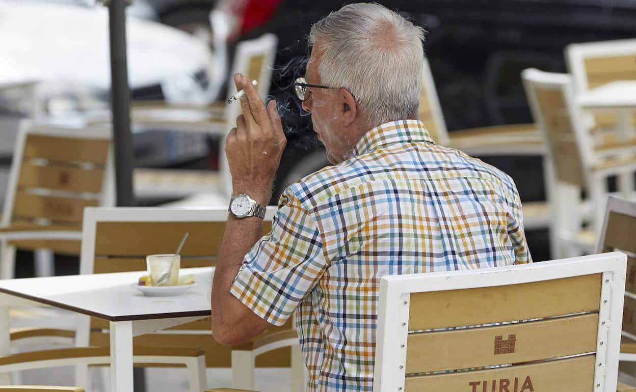 التدخين في الأماكن العامة إسبانيا
