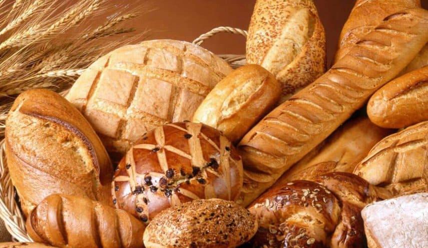 تناول الخبز