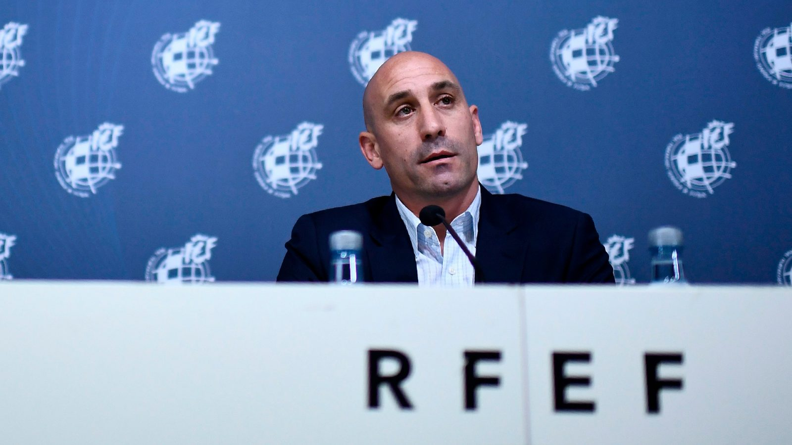 رئيس الاتحاد الإسباني لكرة القدم القد