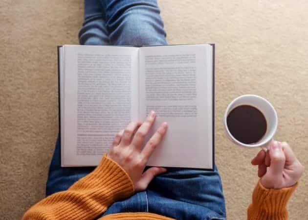 مطالعة الكتب